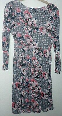 Womens 3/4 sleeved floral patterned above knee dress by Fat Face size 10