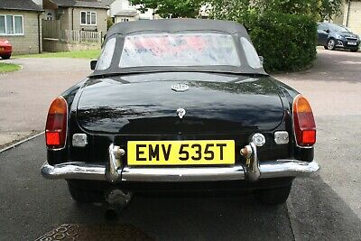 MGB Roadster 1.8 1979, Black Convertable, a little work needed
