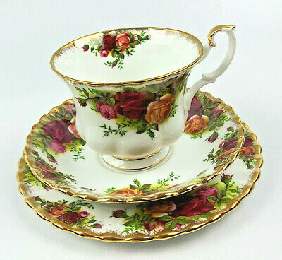 Cup & Saucer Trio Old Country Roses Royal Albert England Mint