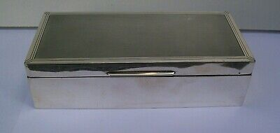 Solid Silver Cigarette Box Fully Hallmarked London 1936 William Comyns & Sons