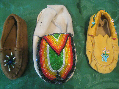 MOCCASINS Lot vintage singles handmade beaded baby children shoes