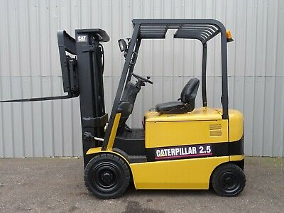 CAT EP25K-PAC. 3300mm LIFT USED ELECTRIC FORKLIFT TRUCK. (#2452)