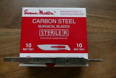 100 Swann Morton No 10 Scalpel Blades and handle  Blades out of date