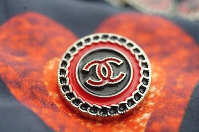 Chanel buttons LOGO CC  LOT OF 2 size 20 mm 0,8 inch black & red