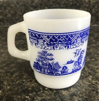 Vintage Anchor Hocking Fire-King Blue & White Asian Oriental Design Coffee Cup