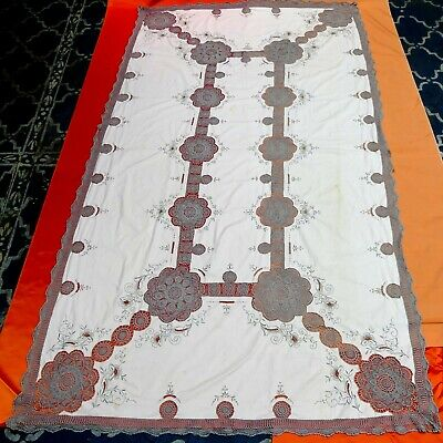 Large vintage Madeira cutwork embroidered cotton lace tablecloth cream & light g