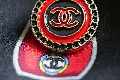 CHANEL BUTTON💖💟💓💕💜 1 pieces LOGO CC   size 21 mm 0,8 inch Metal Brooch