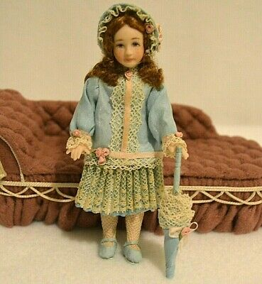 Miniature Doll Porcelain Girl Dollhouse 1:12 With Parasol