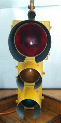 Crouse Hinds Marbelite TC-2253 Traffic Light Signal