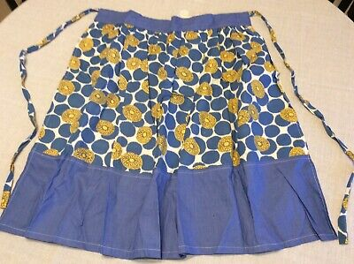 Genuine Vintage Apron. 1960s. Possibly Hand Made.  Knee Length