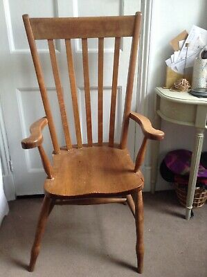 Oak Art Nouveau style carver chair