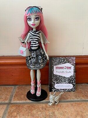 Monster High Wave 1 Rochelle Goyle Doll With Pet, Diary and stand