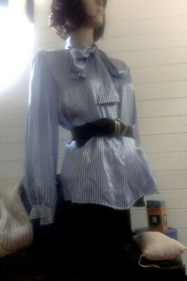 """VINTAGE 80s SILK BLOUSE. BL/WT stripe/pussy bow tie.NWOT. Small/36""""bust"""
