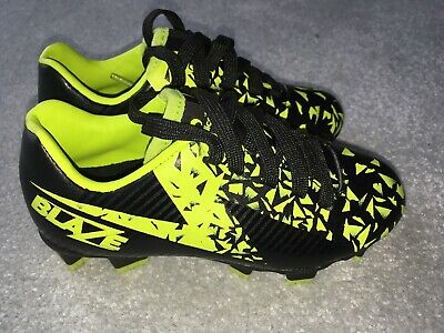 Sondico Mens Blaze FG Football Boots Firm Ground Lace Up Comfortable Fit Print