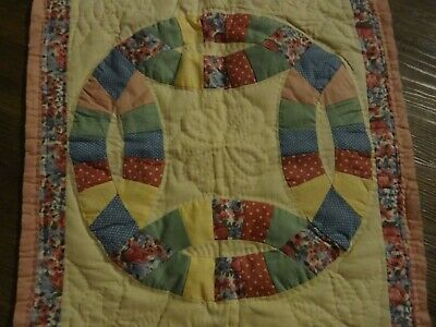 Vintage Hand Quilted Cutter Quilt Piece Wedding Ring Pattern