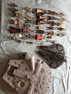 31 Vintage Star Wars Figures Lot w/ Starfighter & Millenium Falcon Case