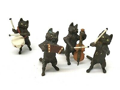 Austrian Cold Painted Vienna Bronze Band of Hot Cats