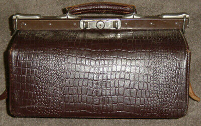 Collectable Vintage Leather Gladstone Bag