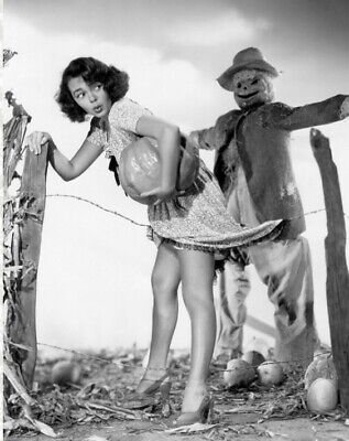 Scary Vintage Creepy Scarecrow PHOTO Freak Strange Weird Halloween Bizzare Pinup