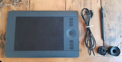 Wacom PTH451 Intuos Pro Small Professional Creative Pen & Touch Tablet