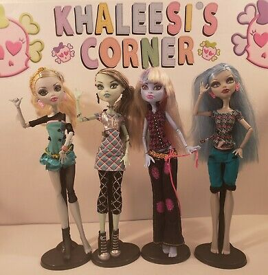 💕Lot of 4 Monster High Dolls Abbey, Lagoona,Ghoulia & Classrooms Frankie💕