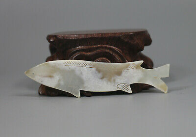 Han Dy. Chinese old white jade carved lucky fish figure pendant
