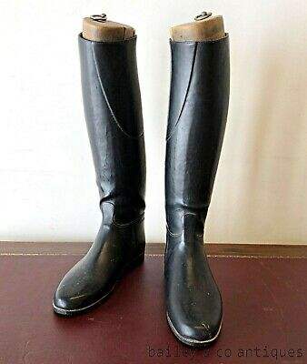 French Vintage Pair of Riding Boots and Wooden Embauchoirs - PQ535