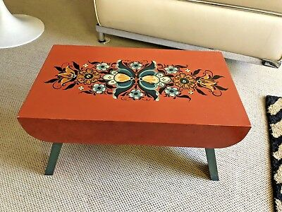 Antique Vintage PAINTED FOLK ART LITTLE WOOD BENCH FOOT STOOL - CLAY COLOR /BLUE