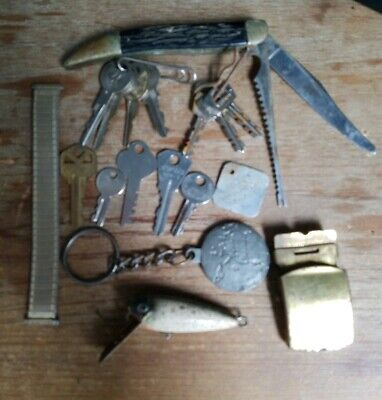 Vintage Estate Junk Drawer Lot. KEYS, POCKET KNIFE, ECT.