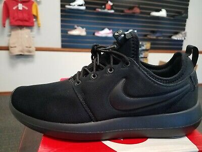 outlet store bdbd1 4aa4a BRAND NEW IN Box Nike Men's Roshe Two Running Shoes 844656-001 Triple Black