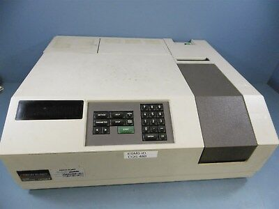 Perkin Elmer UV/VIS Spectrometer Lambda 2 Spectrometer Powers On