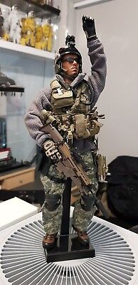 1/6 Hot Toys US Army Ranger 75th Regiment with MK16 SCAR-L Figure