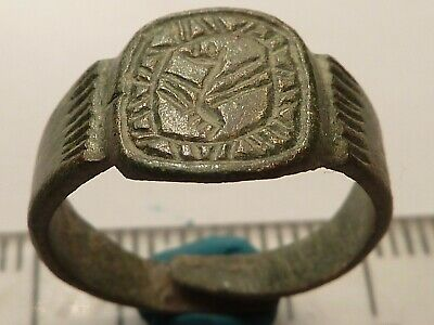 3830	Ancient Roman bronze ring 15 mm