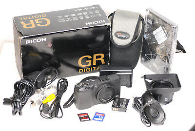 RICOH GR DIGITAL III 10MP Digital Camera Kit (3632BL)