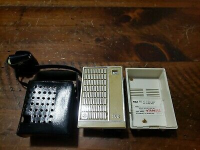 Vintage RCA Transistor Radio AM 540-1600 Solid State White Maple RLG 16N W/Cover