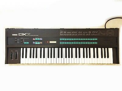 VINTAGE YAMAHA DX7 Synthesizer  Made in JAPAN  Works and Sounds Great !