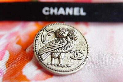 CHANEL BUTTON CC LOGO 22 mm GOLD TONED METAL OWL with CRYSTALS EYES