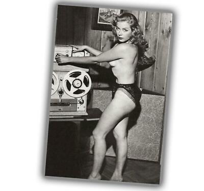 """Photo Vintage Pin-up Classic Retro Girl Sexy Glossy Size """"4 x 6"""" P"""