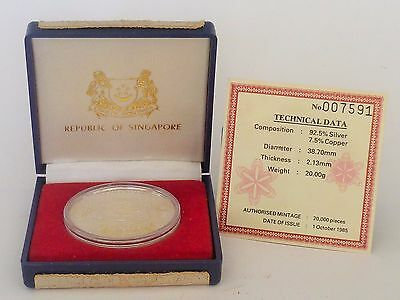 1985 Singapore $5 STERLING SILVER PROOF COIN -25 Years of Public Housing (SC-40)