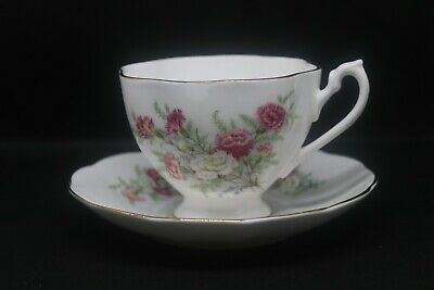 Vintage Queen Anne China Tea Cup & Saucer Country Gardens Carnations EUC