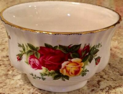 "Royal Albert Old Country Roses Open Sugar Bowl (4 1/2"")"
