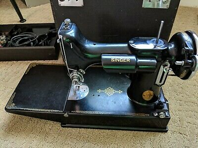 Vintage 1937 Singer Sewing Machine FEATHERWEIGHT Model 221 w/ Case & Accessories