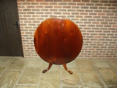 Victorian Circular Round Mahogany Tilt Top Breakfast Loo Table