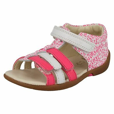 Clarks Girls Kiani Glo Pink Leather T-Bar Sandals Size UK 6 - 6 1/2 F, G