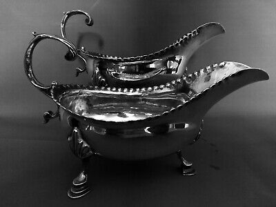 Georgian, George III, pair of silver sauce boats. London 1783 Benjamin Mountigue