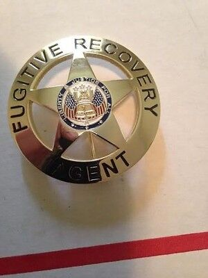 """FUGITIVE RECOVERY AGENT BADGE ONLY GOLD 2.25"""" ROUND DOG BOUNTY HUNTER (Defect)"""