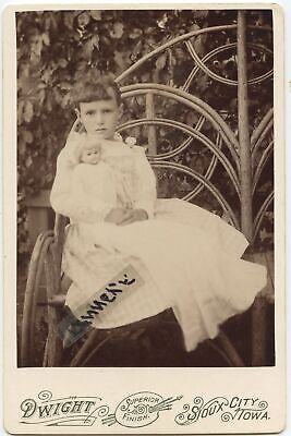 CABINET PHOTO LITTLE GIRL IN  twig chair holding a doll VERY NICE SIOUX CITY, IA
