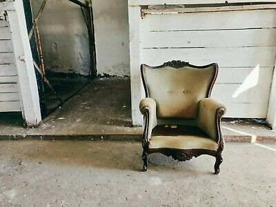 Victorian Antique Tub Chair Gorgeous Seating Eye-catching Carved Wood Solid