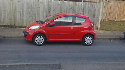 Peugeot 107 Urban 1 Litre 3 Door Hatchback In Red With Mot Ready To Drive Away.