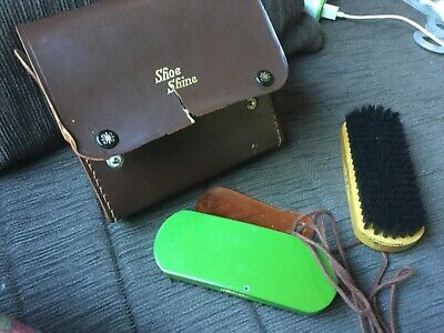 Dads vintage shoe shine care kit: 2 brushes, shoehorn and pair shoelaces VGUC
